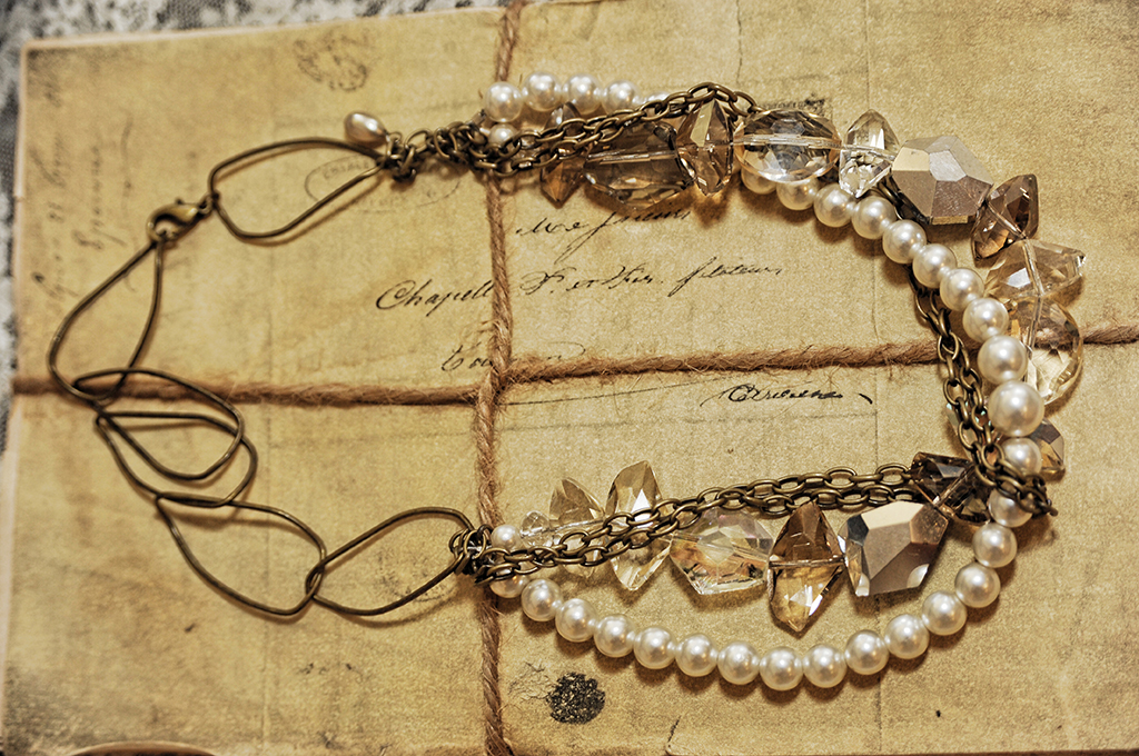 product-jewlery on antique paper