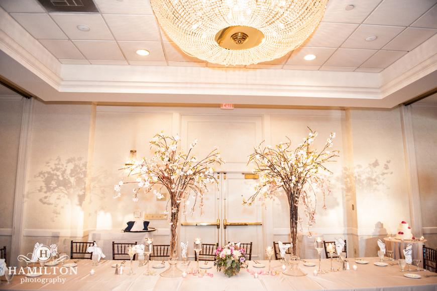 Hamilton photography 8 inspiring wedding centerpiece ideas tall wedding centerpiece junglespirit Image collections