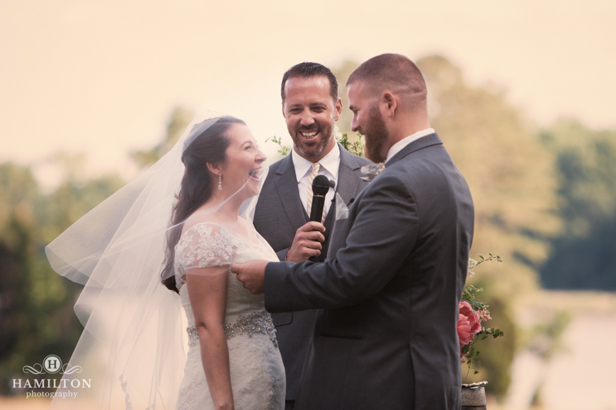 candid-wedding-ceremony-photo