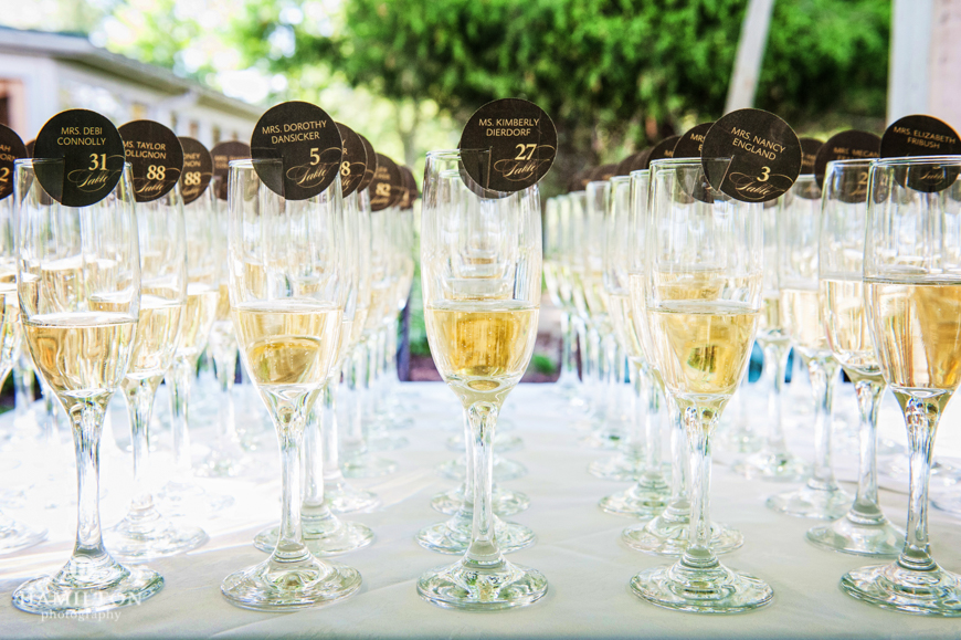 champagne-table-cards-wedding