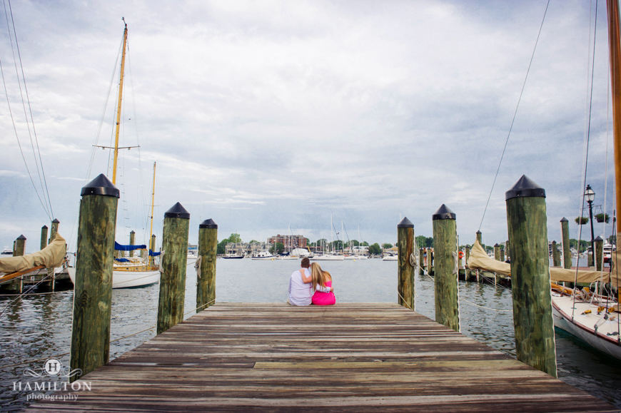 sweet-annapolis-proposal-on-docks